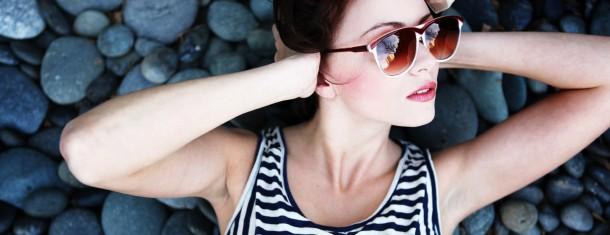 A lo largo de los últimos años, las gafas han pasado de ser algo que escondíamos a ser uno de nuestros complementos principales. El resultado puede verse en las calles… Me Interesa