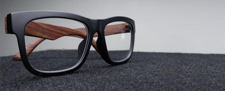 Si queremos prolongar la vida útil de las lentes y disfrutar de la mejor calidad de visión, es muy importante limpiar las gafas con frecuencia y del modo correcto, así… Me Interesa