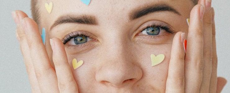 Comenzamos el año con algunos buenos consejos para que conserves una buena salud ocular  1. No frotes los ojos si ha entrado arena o polvo. Siempre lávalos con agua o suero.  2. Lávate… Me Interesa